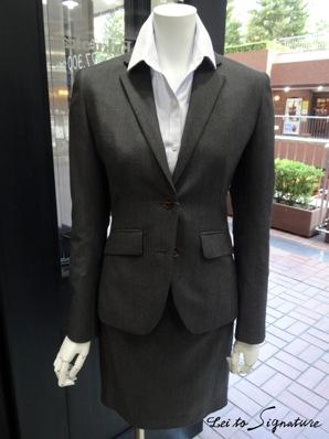 スカートスーツのコピー