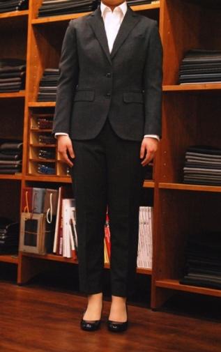 クロップドパンツスーツ