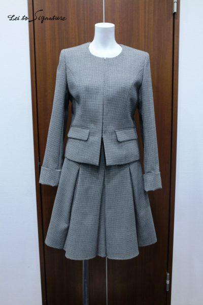 ノーカラースカートスーツ