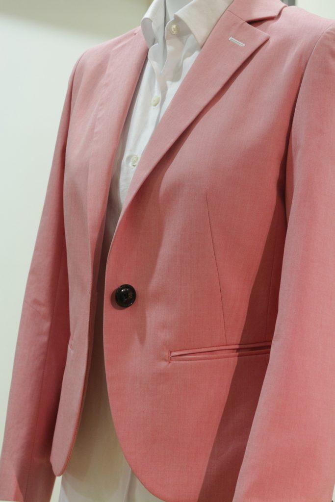 ピンクジャケット かわいいスーツ