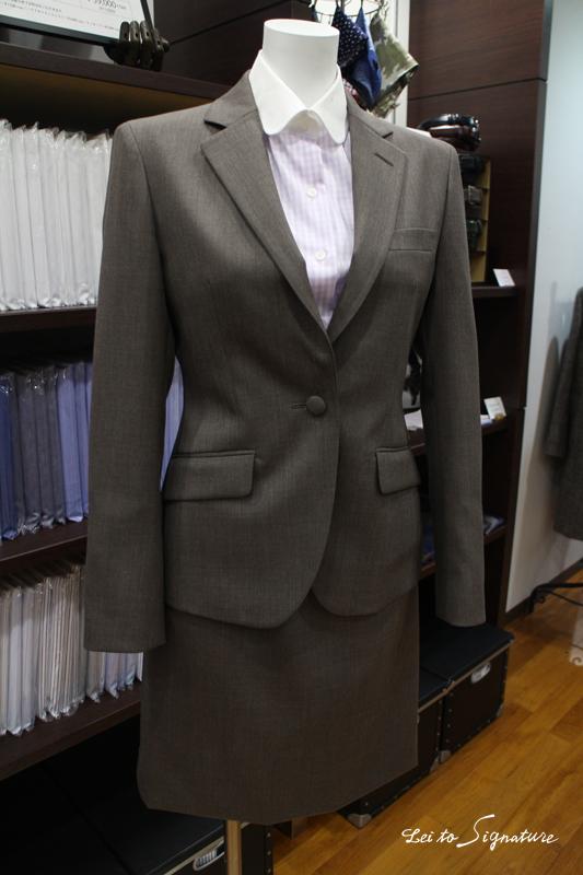 グレージュ スーツ