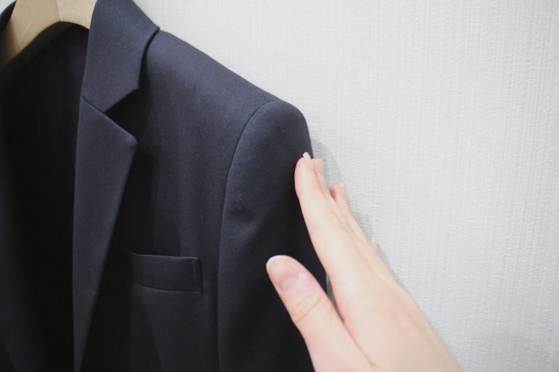 スーツの肩幅