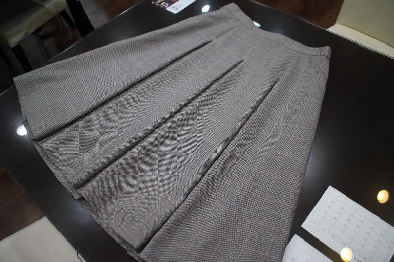 レディーススーツ プリーツスカート