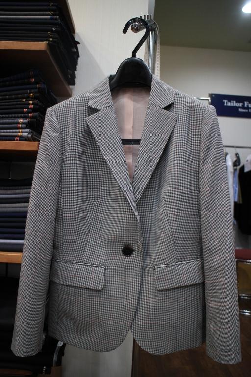 2スカートスーツ ジャケット