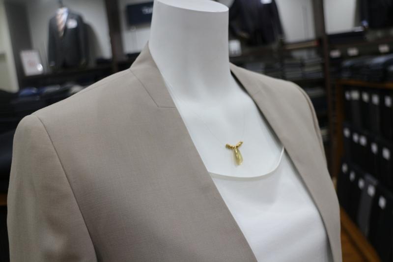 シグネチャー スーツ