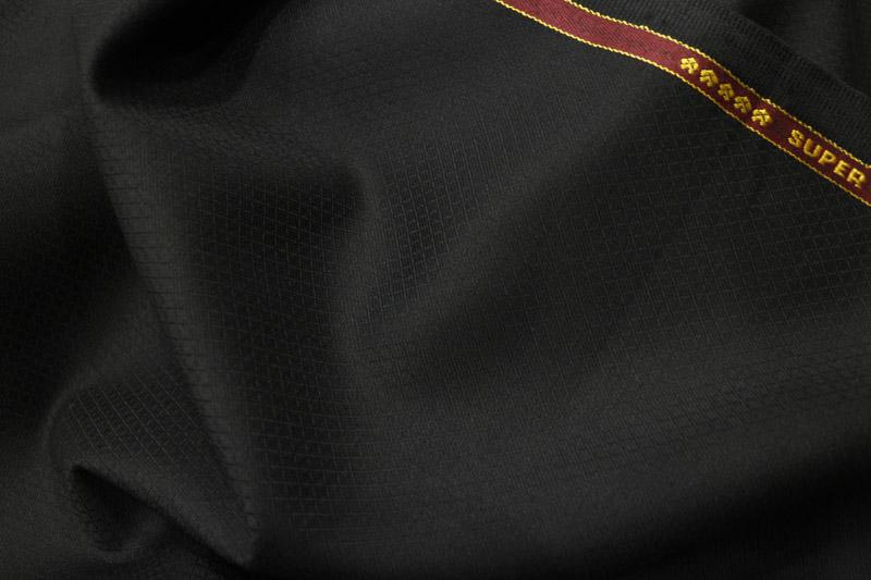 ブラック スーツ