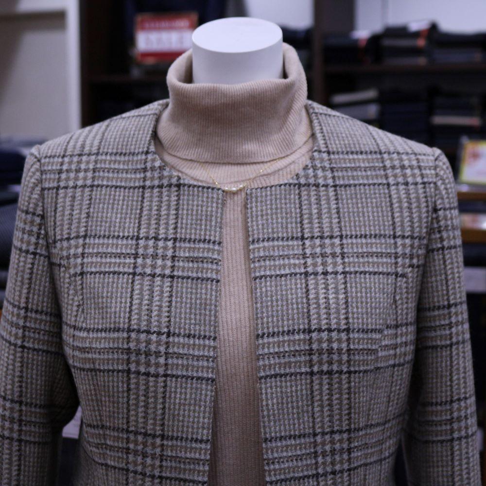 先地スーツ